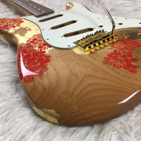 Gold Red Roses Mercury Body (Stratocaster type)