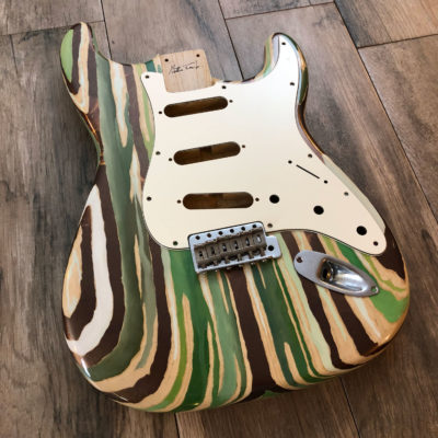 Colored Wood Grain Mercury Body - Green/Bronze Leaf (Stratocaster type)