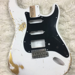 Classic Relic Mercury Body - Olympic White over Gold (Stratocaster type)