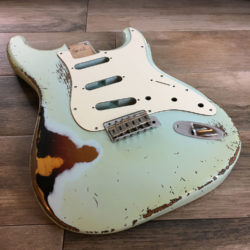 Classic Relic Mercury Body - Sonic Blue over 3-Color Sunburst (Stratocaster type)